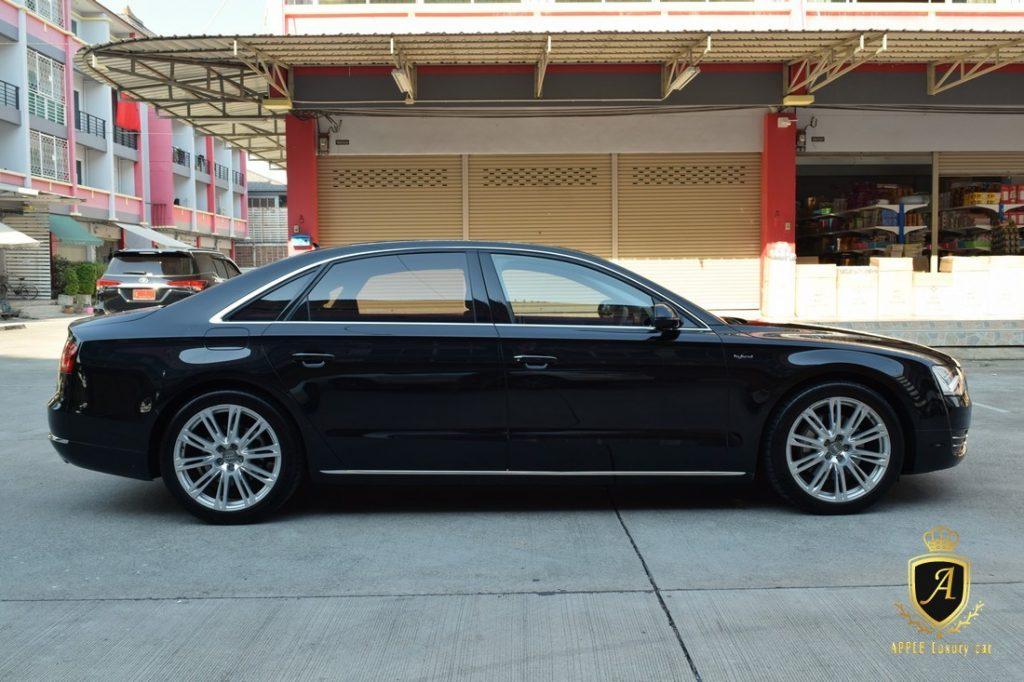 Audi A8 2.0 HYBRID Sedan AT...รถหรูรุ่นใหญ่พลังเขียวกับสุดยอดยนตรกรรมไฮบริด